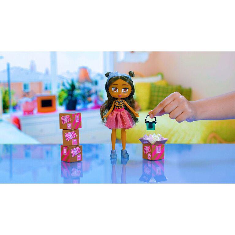 Boxy Girls - Nomi