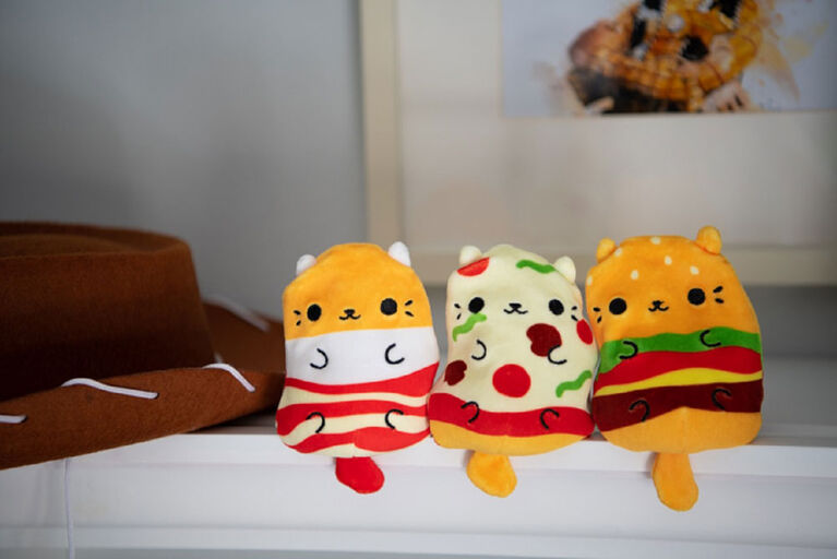 Cats vs Pickles! 4 inch Plush (Each sold separately. Selected at Random)