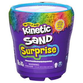 Kinetic Sand Surprise, Mini-surprise mystère, élaboré à partir de sable naturel (plusieurs modèles disponibles).