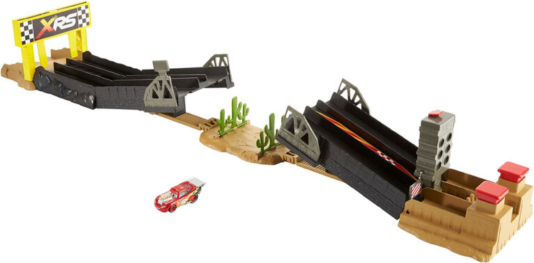 Disney/Pixar Cars XRS Drag Racing Playset
