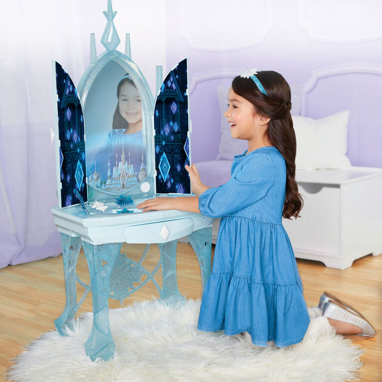 Frozen II Elsa's Enchanted Ice Vanity