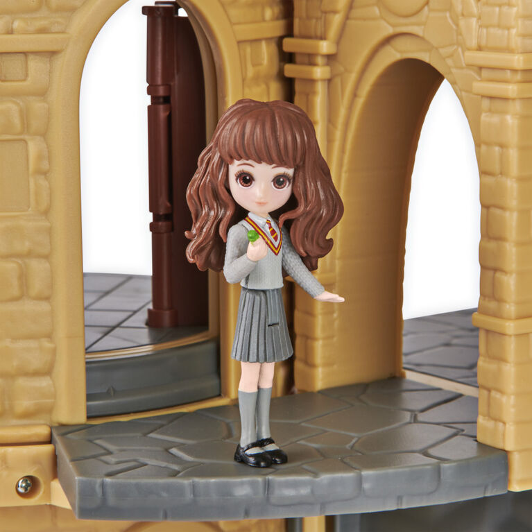 Wizarding World Harry Potter, Magical Minis Hogwarts Castle with Exclusive Hermione Doll