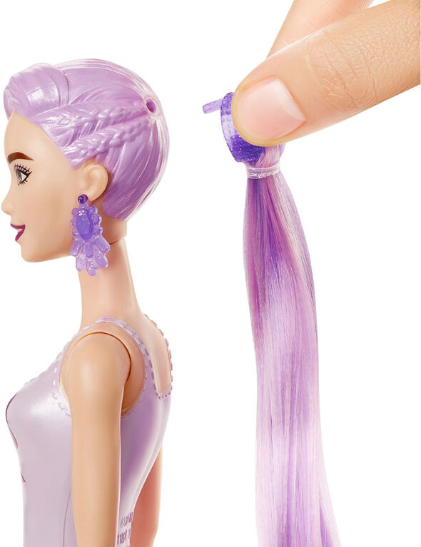 Barbie Color Reveal Doll with 7 Surprises