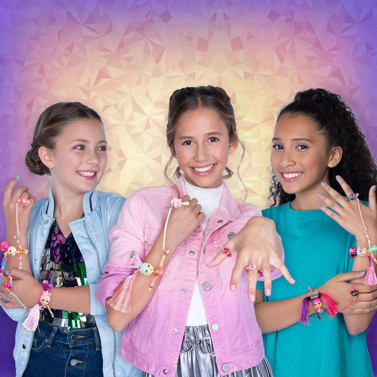 Twisty Girlz, Beadbox Betty Transforming Doll to Collectible Bracelet with Mystery Twisty Petz